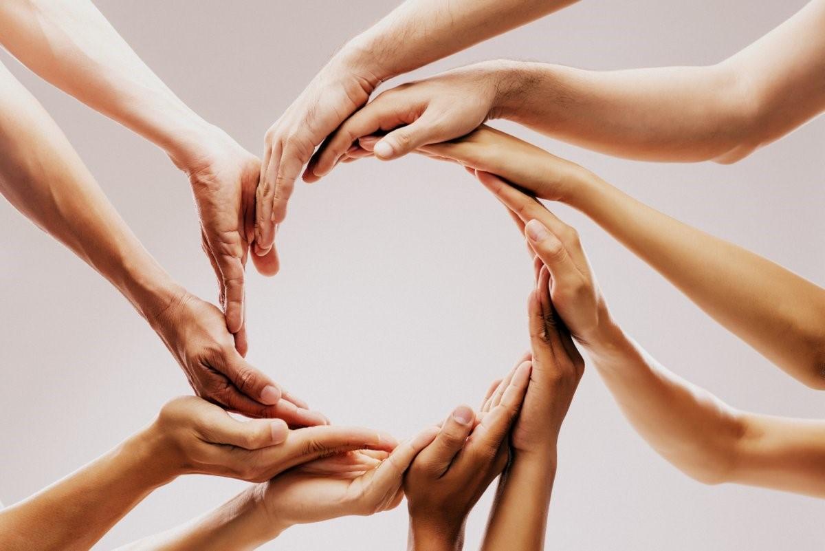 Cooperation hands