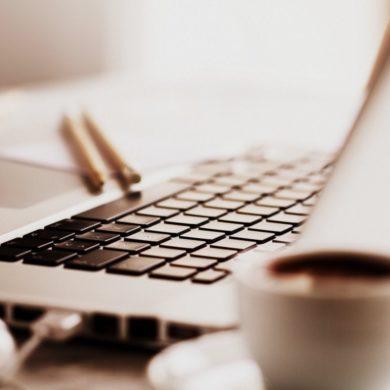 Laptop computers (4)